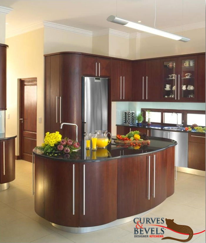 Classic contemporary kitchen 5 curves bevels designer for Kitchen units sa